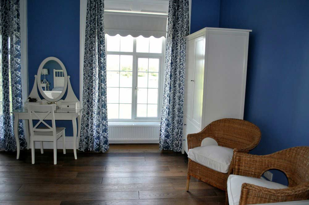 Blueroom-Bedroom-Irish-Countryside-Studfarm-Ireland